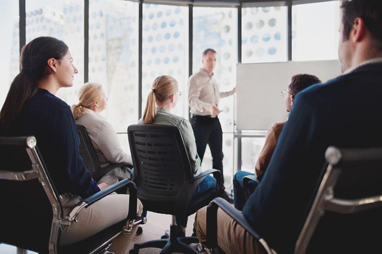 szkolenie grupy osób